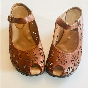 RIALTO COMFORT Tan Peep Toe Backless Shoes Sz 9